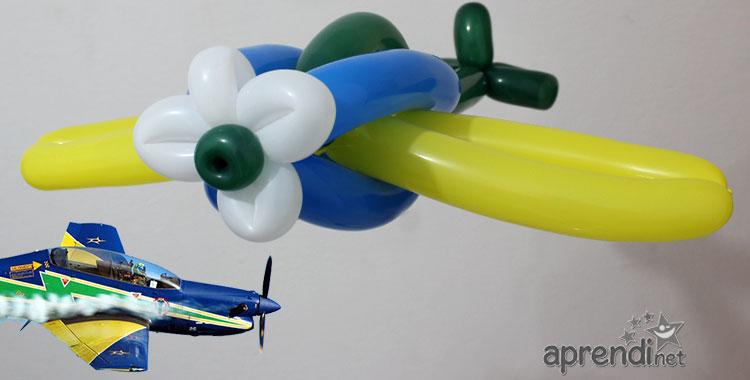 Escultura de Balões - Avião - Esquadrilha da Fumaça